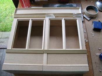 """<br><a href=""""http://www.glue-it.com/gallery/dollshouse/model-shop-cabinet/"""">Shop / Frame</a> - a simple 3D frame that fits on the wall like a picture frame, a great place to keep a dollshouse collection or just miniatures."""
