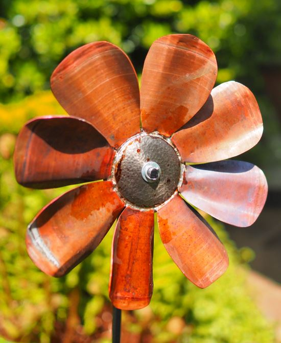 """<br><a href=""""https://www.glue-it.com/wp/gallery/copper-flower/"""">Copper Flower</a> - made from leftovers"""