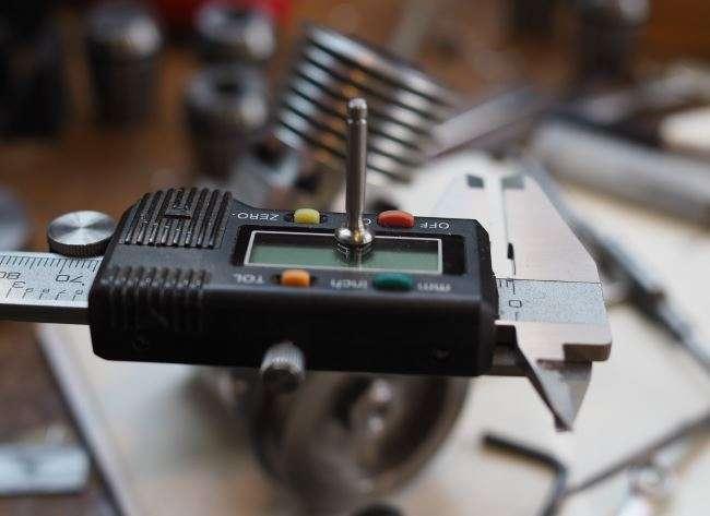 engine valve stood on caliper
