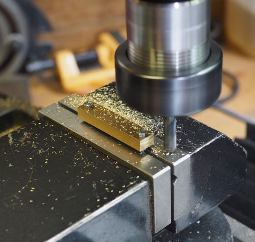 milling the edges of the spokes