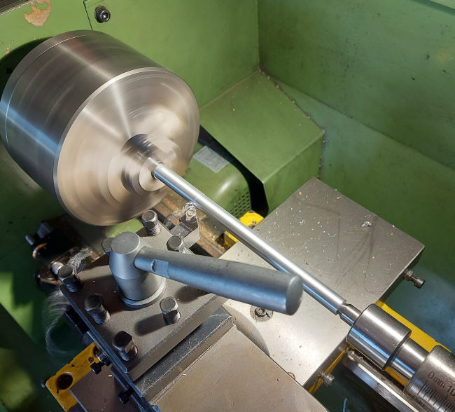 machining the main upright