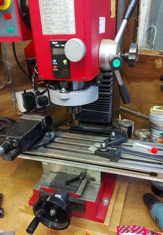 milling machine lights off