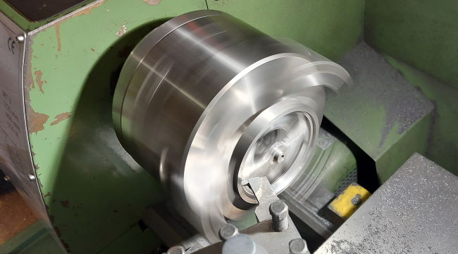 flywheel in warco lathe machining chamfer