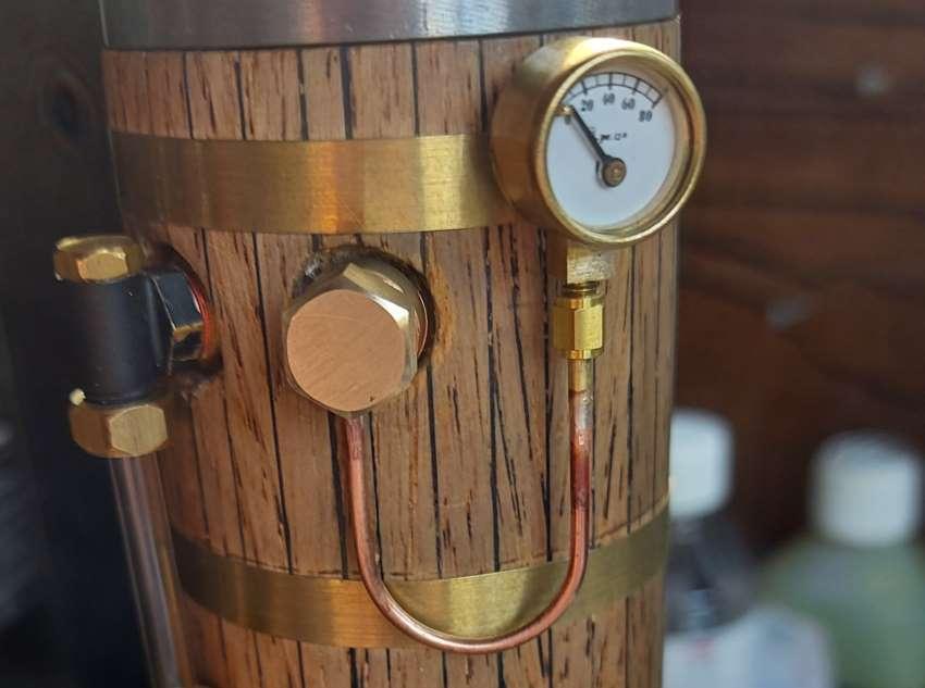 boiler banjo bolt and pressure gauge