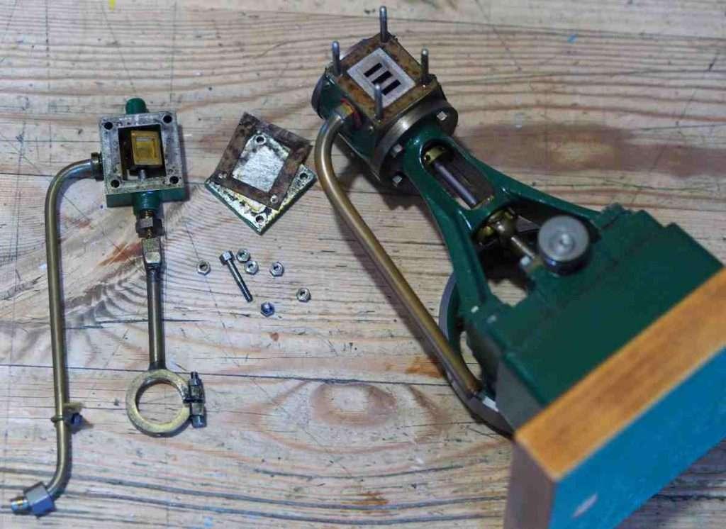 Stuart 10V engine in pieces