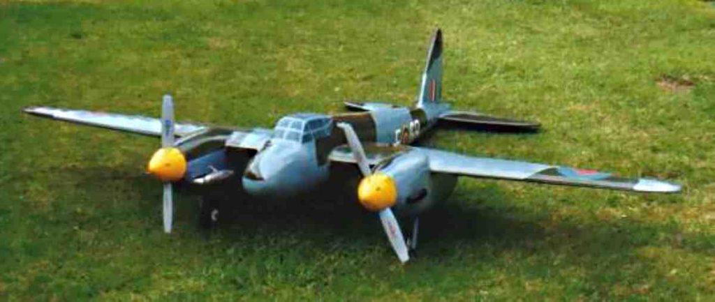 Single engine twin propeller Mosquito