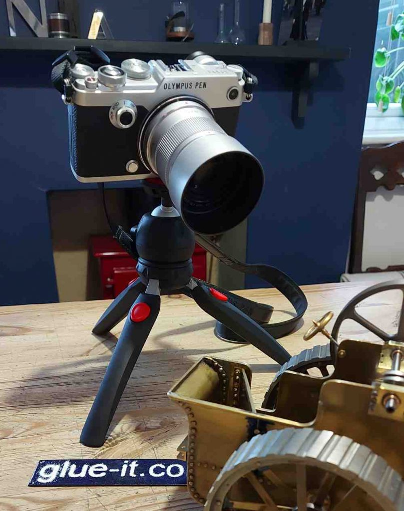 polar duck mini tripod and camera