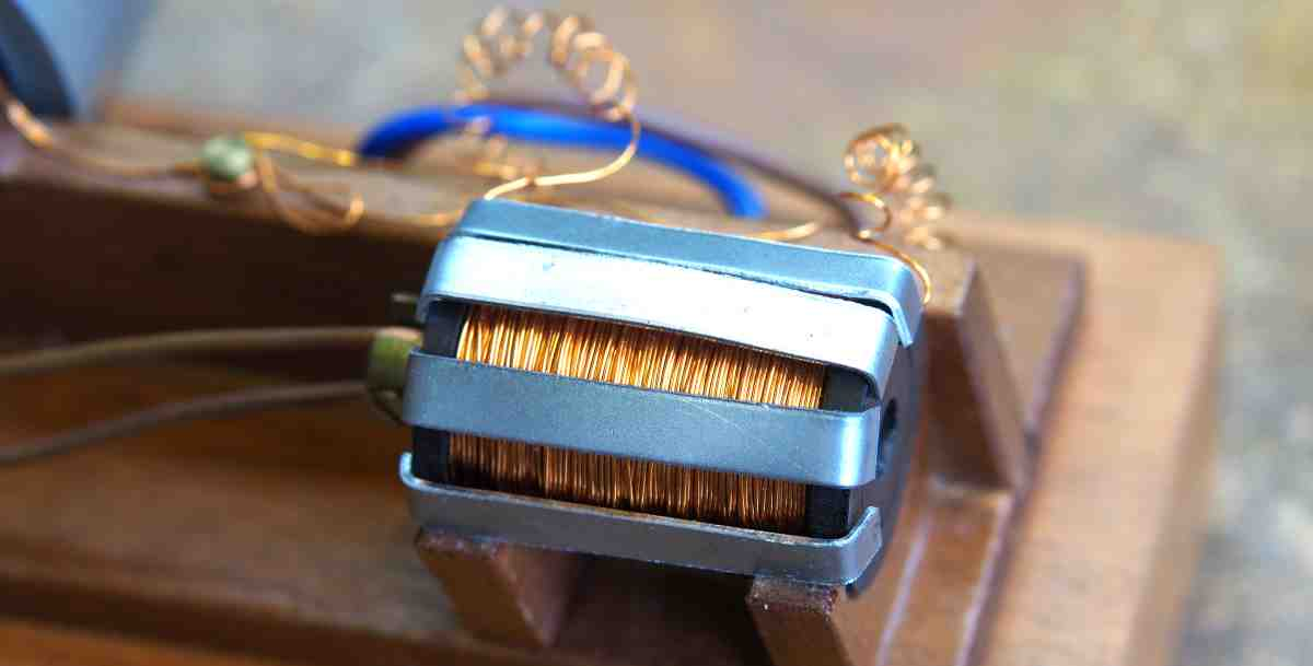 confining the magnetic field on a solenoid